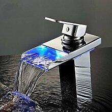 ougmoo LED Badezimmer Wasser Wasserhahn Wasserhahn mit LED-Licht Zeitgenössische Wasserfall, Wasserhähne, Torneira Para de banheiro misturador chrome