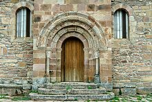 Papermoon Fototapete Romanische Tür, Vliestapete,