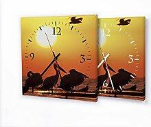 Pelican - Moderne Wanduhr mit Fotodruck auf Leinwand Keilrahmen   Fotouhr Bilderuhr Motivuhr Küchenuhr modern hochwertig Quarz   Variante:30 cm x 30 cm mit schwarzen Zeigern