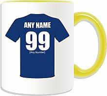 Personalisierter Geschenk-Becher (Motiv Millwall Football-Club-Design, Farbe zur Auswahl, mit Name/Nachricht an ihr einzigartiges Becher The Lions, keramik, gelb