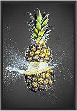 Picati Ananas mit Wasser bespritzt im