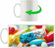 Pillen, Motivtasse aus weißem Keramik 300ml, Tolle Geschenkidee zu jedem Anlass. Ihr neuer Lieblingsbecher für Kaffe, Tee und Heißgetränke.