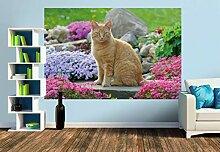 Premium Foto-Tapete Aufmerksamer Gartentiger sitzt