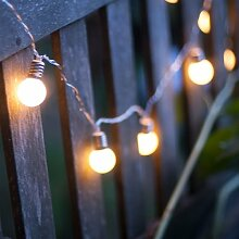 Qbis LED-Lichterkette. Mini Lichterkette Feenlichter 16 Warmweiße LEDs Batteriebetrieben Mit Timer - Blickdich