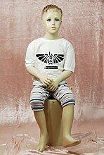 Qubeat männliche Kinderschaufensterpuppe, sitzend