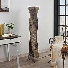 Rattan-Stehlampe Kassia für gemütliches Licht
