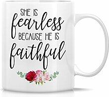 Retreez Funny Tasse–Sie ist Fearless denn er