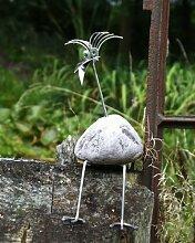Rosi die Hübsche sitzend Größe S ca. 20 cm Steinvogel bzw. Edelstahlvogel aus Edelstahl und Stein ein schöner Gartenvogel die besondere Art der Gartendeko