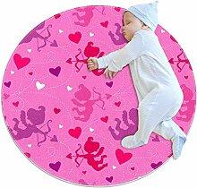 Runder Teppich mit Herzmotiven und Liebesherzen