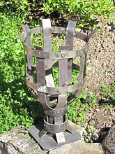 rustikale Gartenfackel aus Metall