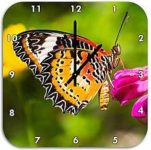 Schmetterling auf Blüte, Wanduhr Quadratisch