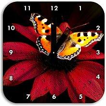 Schmetterling auf roter Blüte, Wanduhr