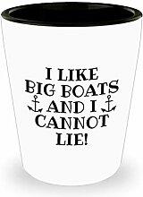 Schnapsglas mit lustigem Bootfahren,