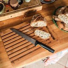 Schneidebrett aus Bambus mit Brotmesser