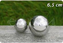Schöne Edelstahlkugel mit einem Durchmesser von 6.5 cm in poliertem Silber