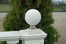 Schöne Kugel als Gartendeko Dekorationselement aus Steinguss, frostfes