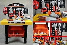 Schöne Werkbank mit Werkzeug für Kinder