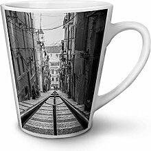 Schwarz Weiß Foto Stadt Weiß Keramisch Latte Becher 12 oz | Wellcoda