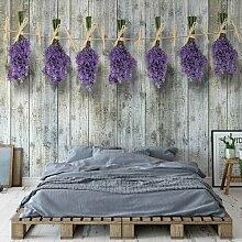 Seidenmatte Fototapete Lavendel auf Holzdielen