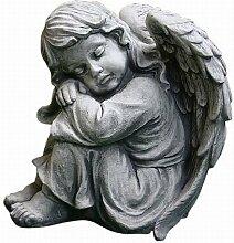 Sitzender Engel, Figur aus Steinguss, Frostfes