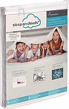 Sleep on clouds® Premium Matratzenschoner wasserdicht für Baby-Bett 70 x 140 cm, weiß - antiallergisches Spannbetttuch - venyl-frei, Spannbettlaken