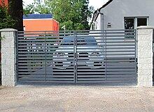 SO26 Einfahrtstor Hoftor Doppelflügeltor Gartentor Berlin mit Riegelset 400 x 150 cm Komplett-Set inklusive 2 Torelementen, 2 Natursteinoptik-Pfosten und Beschlägen. Gesamtbreite ist ca. 483 cm