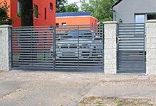 SO29 Einfahrtstor Doppelflügeltor Gartentor Berlin 350 x 150 cm, mit Pforte 94 cm, Komplett-Set inklusive 2 Torflügeln, 1 Pforte, 3 Natursteinoptik-Pfosten und Beschlägen. Gesamtbreite ist ca. 571 cm
