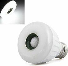 SODIAL(R) E27 25 3528 SMD LED Bewegungsmelder Licht Lampe Strahler Weiss 5W AC 220-240V