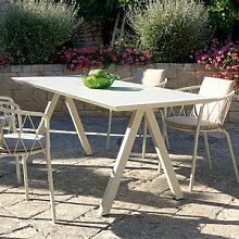 Solider italienischer Gartentisch mit elegantem
