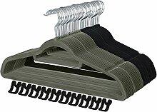 SONGMICS 40 Kleiderbügel Samt, je 20 in Schwarz und Grau, mit 10 Mini-Haken, Bügel-Set mit rutschfester Oberfläche, platzsparender Anzugbügel, mit 360 ° drehbarem und verchromtem Haken, CRF40MA