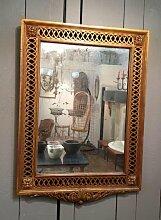 Spiegel mit geschnitztem & vergoldetem Holzrahmen,