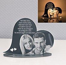 Standbild / Geschenkidee mit Gravur / Fotogravur Namen aus Hochglanz Acrylglas Herz-form Geburtstags-geschenk zum Muttertag / Vatertag Taufgeschenk Hochzeitsgeschenk Wunschgravur Namen Liebe Love (Standherz liegend)