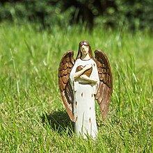 Statue stehender Engel mit Herz für Gartendeko