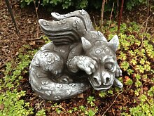 Steinfigur Drache Fantasiefigur Garten Deko
