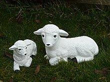 Steinfigur Schaf und Lamm in weiß