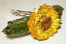 Strohblume mit 2 Blättern - Original ERRO Haarspange - Blumenhaarspange, Haarschmuck, Haarklammer. Tolle Geschenkidee