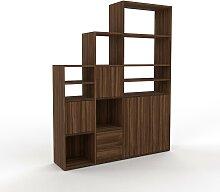 Stufenregal NULL - Modernes Treppenregal für