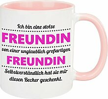 Tasse – stolze Freundin (Freundin): Becher mit lustigem Spruch – bedruckte Kaffeetasse für die Freundin zum Valentinstag – kreative Geschenkidee zum Jahrestag