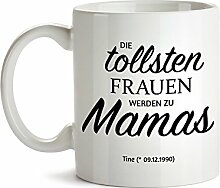 """Tassenwerk - Tasse – Motiv """"Beförderung zu Mama"""" – Personalisiert mit [Namen] und [Datum] – Keramiktasse – """"Die tollsten Frauen werden zu Mamas"""" – Geschenk zu Muttertag – Geschenkidee für Mütter"""