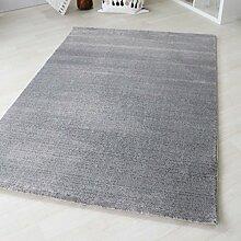 Teppich Kurzflor Modern in Silber Grau liniert mit grafischem Design in versch. Größen [Lena 302 Grau] (60 x 110 cm)
