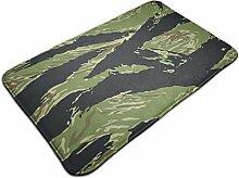 Teppich mit Tigerstreifen, Camouflage-Muster,