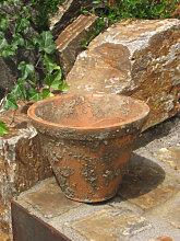 Terracotta Pflanzkübel mit Loch zum Bepflanzen