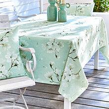 Tischdecke mit prächtigen Magnolienblüten in