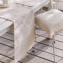 Tischläufer: Elegante Matelassé-Tischwäsche mit