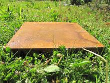 Trittplatte oder Wegplatte aus Metall für den