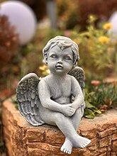 Troyan Gartenfigur sitzender Engel aus Ton