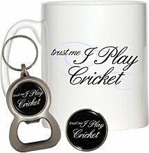 Trust Me I Play Cricket 284ml Becher, Pin Badge