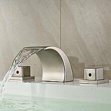 TSAR003 Modern 3-Loch-Armatur Wasserfall With Keramisches Ventil Zwei Griffe Drei Löcher For Gebürsteter Nickel , Waschbecken Wasserhahn