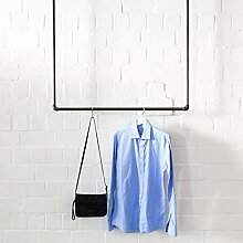 Various Garderobe an der Decke Industrie-Design