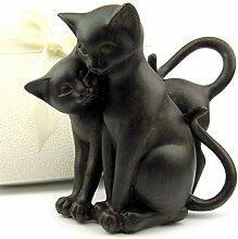 Verspielte Deko Katzenfiguren, Katzenpaar, 16 cm hoch, schwarzbraun antik, in eleganter cremefarbigen Geschenkbox, komplettes Geschenkset, Top Geschenkidee zu Weihnachten Geburtstag Liebhaber-Sammler (Tiefe:14 cm)